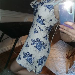 Forever 21 Floral Blue & White Lace Dress